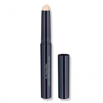 Dr.Hauschka Light Reflecting Concealer for dark shadows and rings